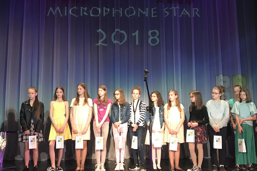 We can sing! Microphone Star 2018